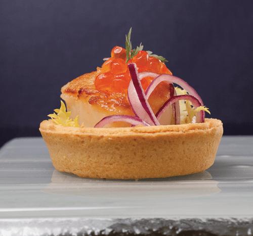 Bouquet di capesante scottate uova di salmone e cipolla rossa | Cassibba ricette
